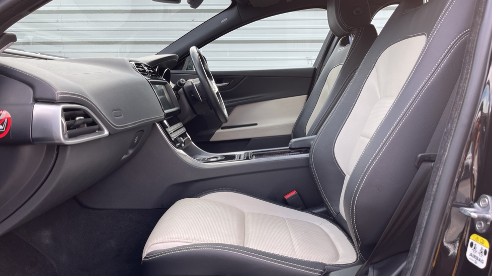 Jaguar XE 2.0 Ingenium R-Sport - Petrol with Ambient Interior Lighting and Cruise Control image 3