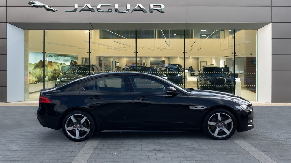 Jaguar XE 2.0 Ingenium R-Sport - Petrol with Ambient Interior Lighting and Cruise Control image 5