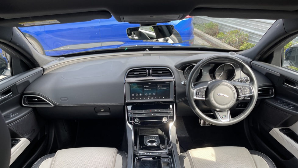 Jaguar XE 2.0 Ingenium R-Sport - Petrol with Ambient Interior Lighting and Cruise Control image 9