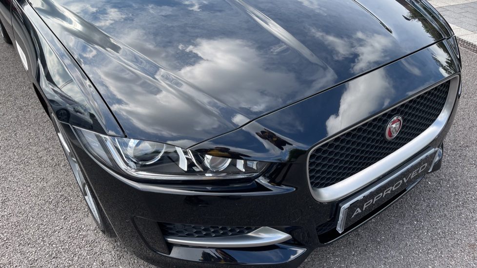 Jaguar XE 2.0 Ingenium R-Sport - Petrol with Ambient Interior Lighting and Cruise Control image 24
