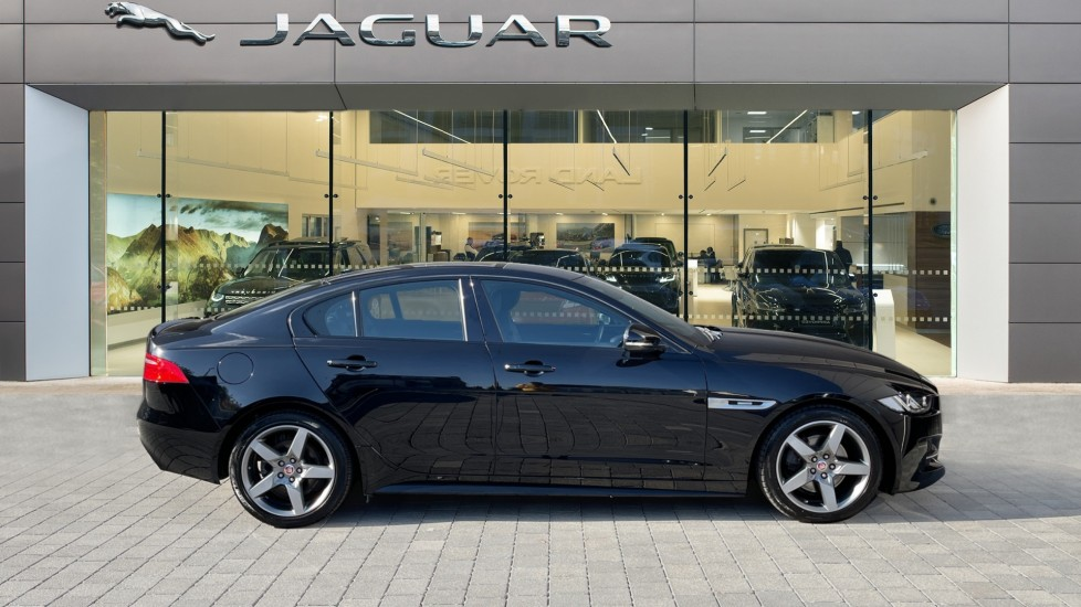 Jaguar XE 2.0d [180] R-Sport Heated front seats and Cruise control image 5