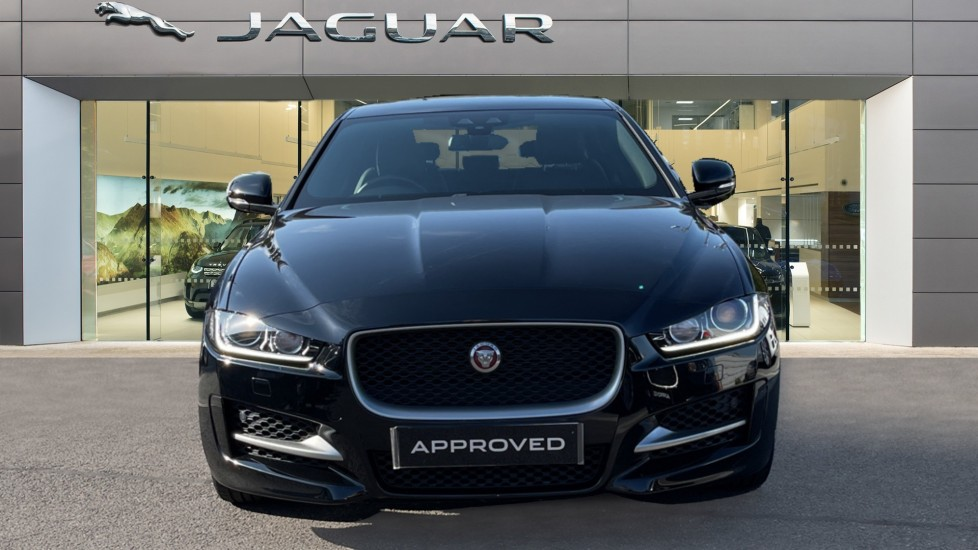 Jaguar XE 2.0d [180] R-Sport Heated front seats and Cruise control image 7