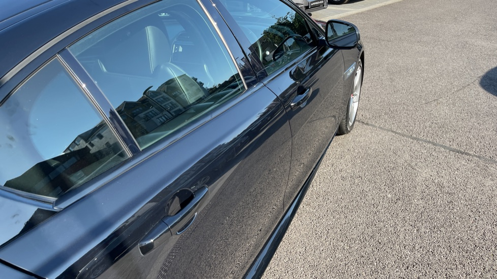 Jaguar XE 2.0d [180] R-Sport Heated front seats and Cruise control image 22