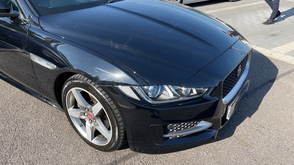 Jaguar XE 2.0d [180] R-Sport Heated front seats and Cruise control image 24