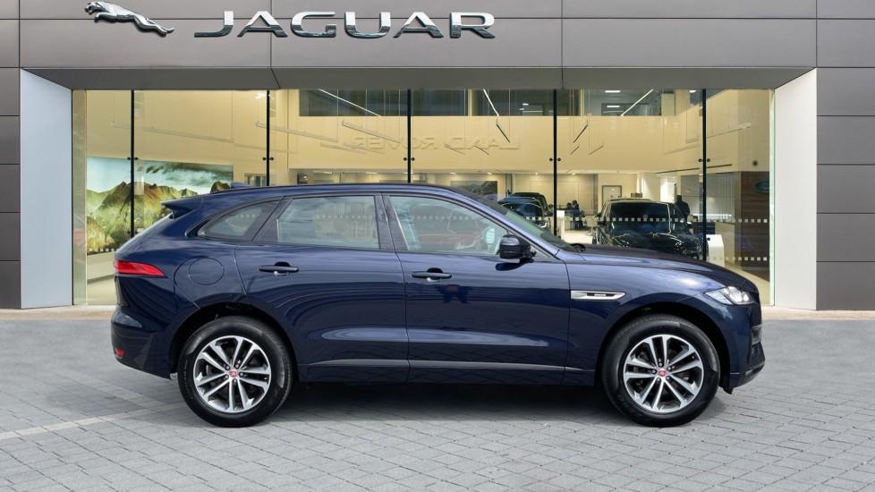 Jaguar F-PACE 2.0d R-Sport 5dr AWD - 19 inch alloys - Navigation - Cruise Control image 5