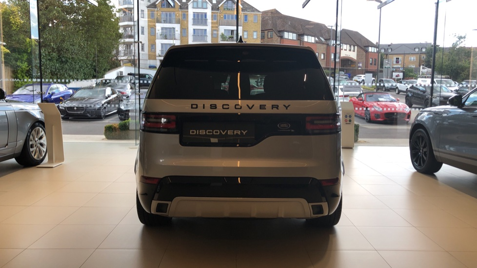 Land Rover Discovery 3.0 SDV6 Landmark Edition SPECIAL EDITIONS image 6