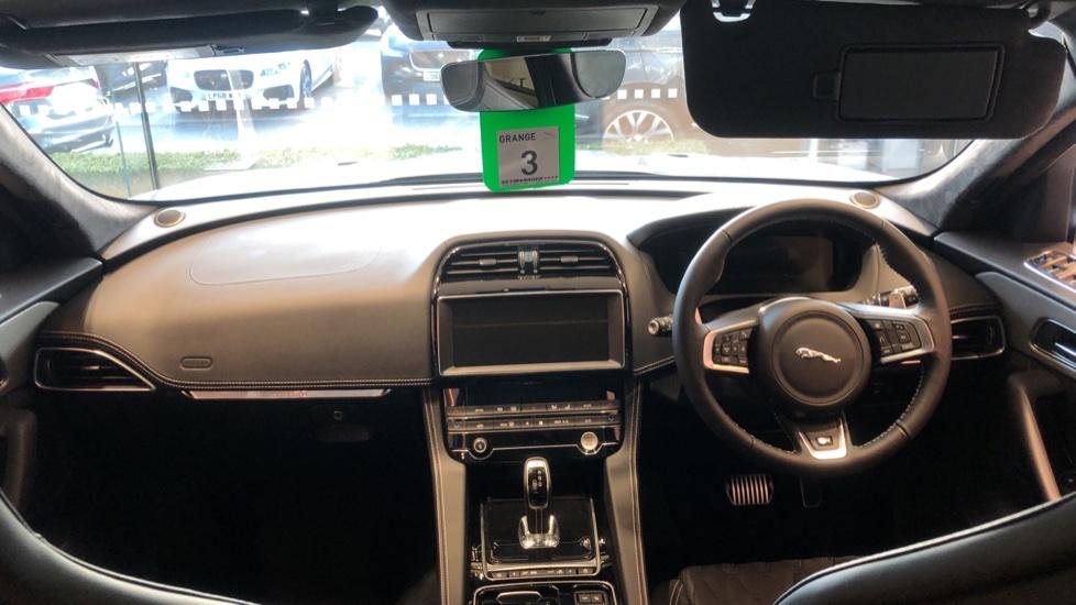 Jaguar F-PACE 5.0 Supercharged V8 SVR AWD image 9