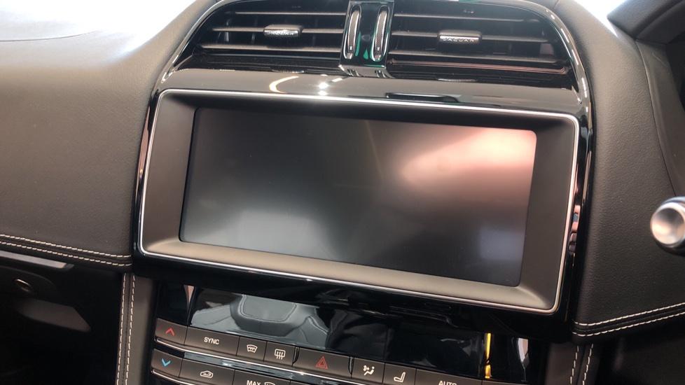 Jaguar F-PACE 5.0 Supercharged V8 SVR AWD image 14