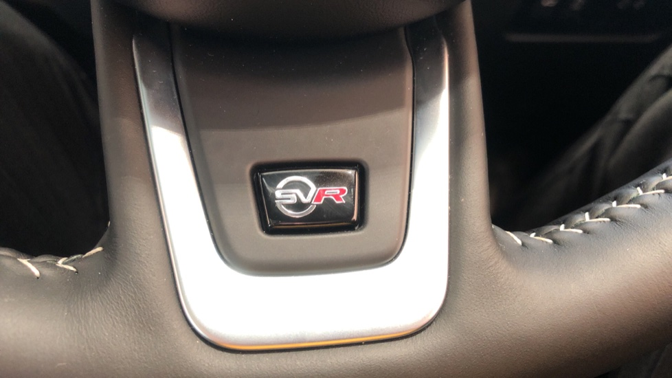 Jaguar F-PACE 5.0 Supercharged V8 SVR AWD image 18