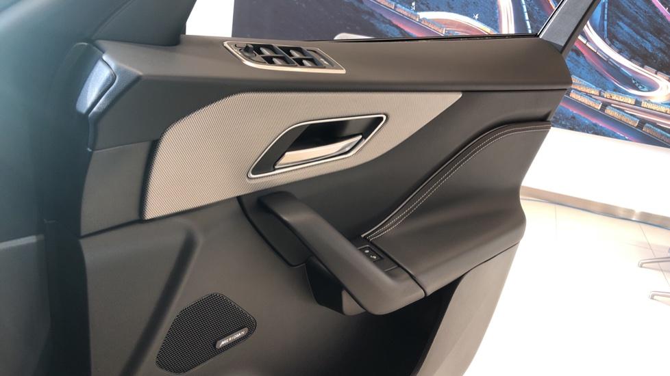 Jaguar F-PACE 5.0 Supercharged V8 SVR AWD image 20