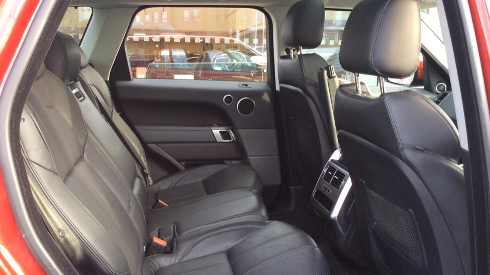 Land Rover Range Rover Sport 3.0 SDV6 HSE 5dr image 24