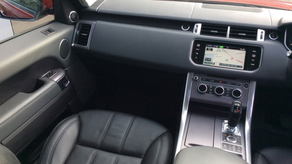 Land Rover Range Rover Sport 3.0 SDV6 HSE 5dr image 28