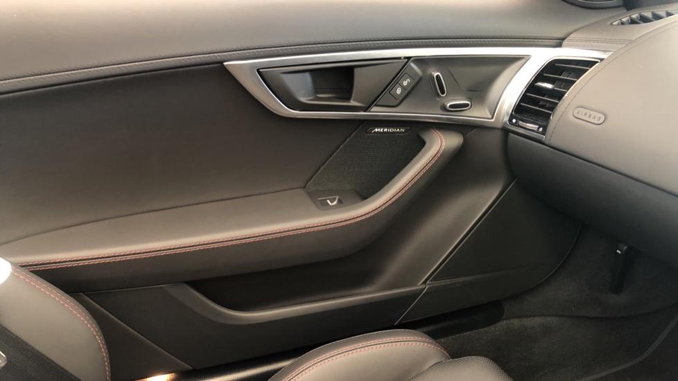 Jaguar F-TYPE 3.0 380 Supercharged V6 R-Dynamic AWD image 19