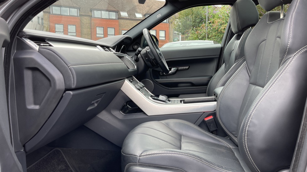 Land Rover Range Rover Evoque 2.2 SD4 Autobiography [9] Heated and cooled front seats with heated rear seats and Digital TV, image 3