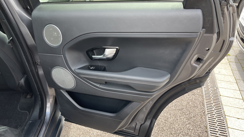 Land Rover Range Rover Evoque 2.2 SD4 Autobiography [9] Heated and cooled front seats with heated rear seats and Digital TV, image 18