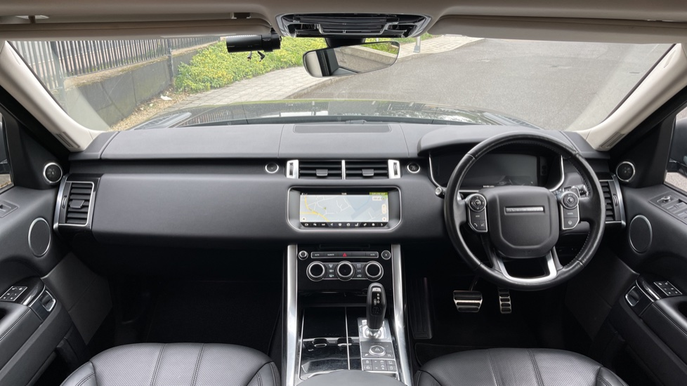 Land Rover Range Rover Sport 3.0 V6 S/C HSE Dynamic [7 seat]  Heated steering wheel and Meridian Sound System image 9