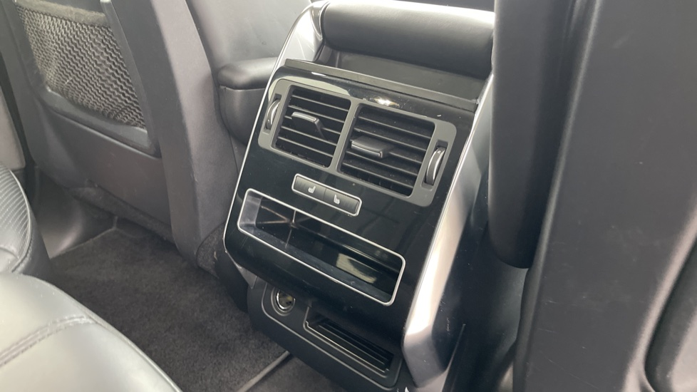 Land Rover Range Rover Sport 3.0 V6 S/C HSE Dynamic [7 seat]  Heated steering wheel and Meridian Sound System image 20