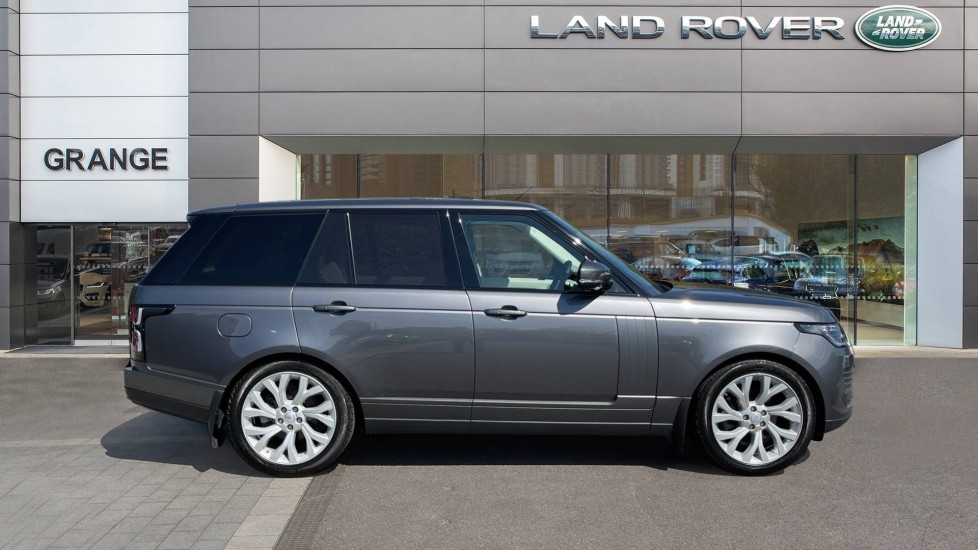 Land Rover Range Rover 3.0 SDV6 Vogue 4dr - Sliding Panoramic Roof - 21 inch alloys image 5