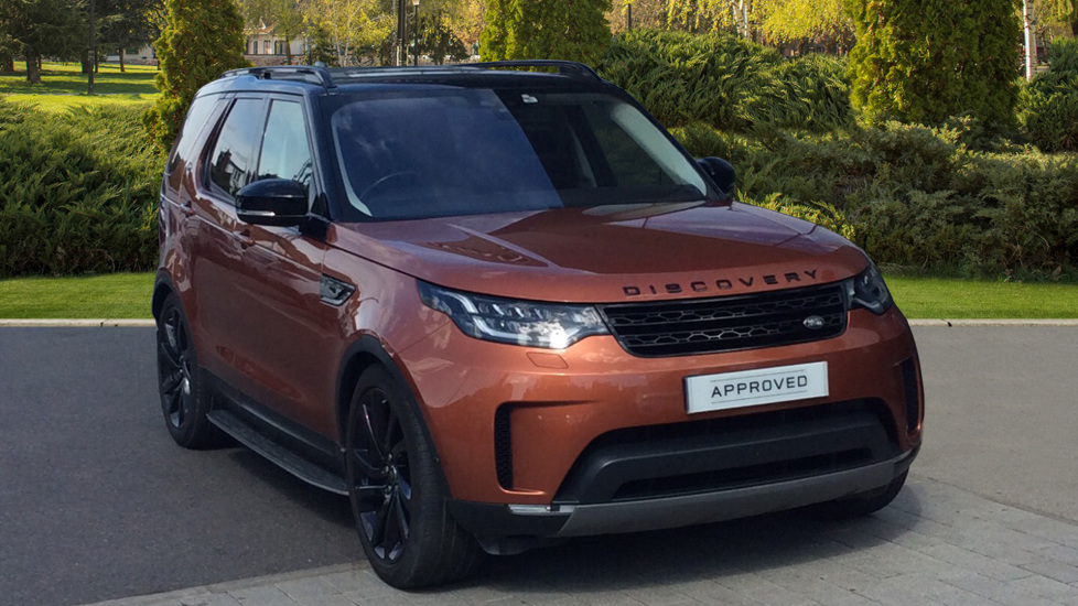 Land Rover Discovery 3.0 TD6 First Edition 5dr - Rear Seat Entertainment - Surround Camera - Panoramic Roof -  Diesel Automatic 4x4 (2017)