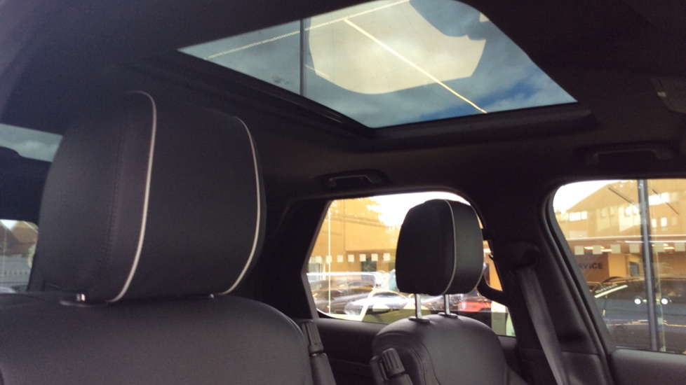 Land Rover Discovery 2.0 Si4 HSE 5dr - 22inch Alloys - Surround Camera - Sunroof - Privacy Glass -  image 22