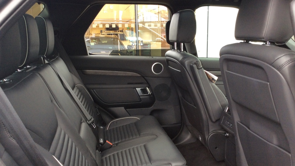 Land Rover Discovery 2.0 Si4 HSE 5dr - 22inch Alloys - Surround Camera - Sunroof - Privacy Glass -  image 25