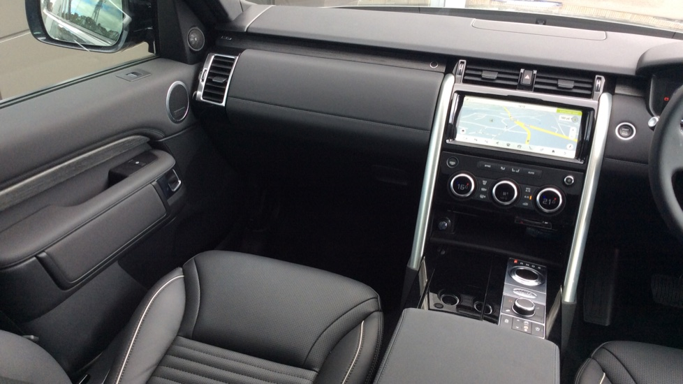 Land Rover Discovery 2.0 Si4 HSE 5dr - 22inch Alloys - Surround Camera - Sunroof - Privacy Glass -  image 29