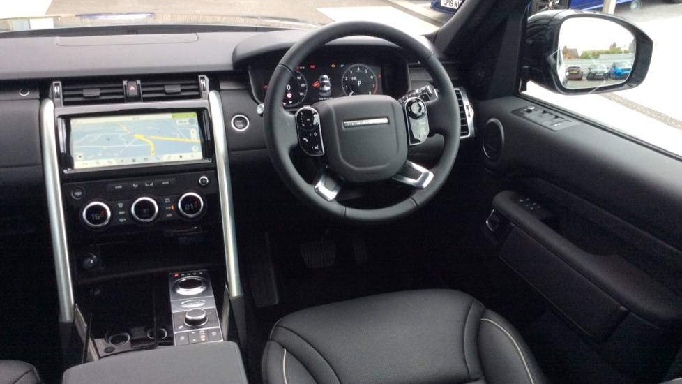 Land Rover Discovery 2.0 Si4 HSE 5dr - 22inch Alloys - Surround Camera - Sunroof - Privacy Glass -  image 30