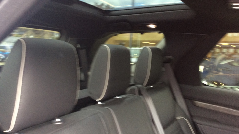 Land Rover Discovery 2.0 Si4 HSE 5dr - 22inch Alloys - Surround Camera - Sunroof - Privacy Glass -  image 31