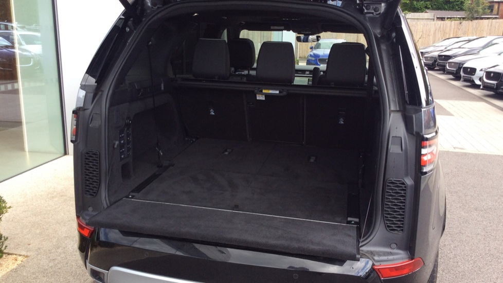Land Rover Discovery 2.0 Si4 HSE 5dr - 22inch Alloys - Surround Camera - Sunroof - Privacy Glass -  image 32