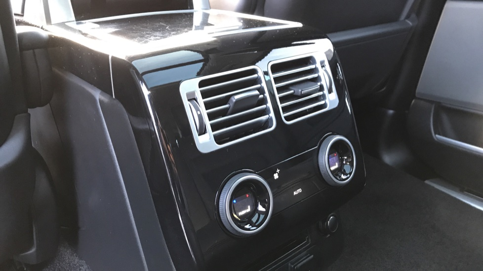 Land Rover Range Rover 2.0 P400e Autobiography LWB 4dr image 27