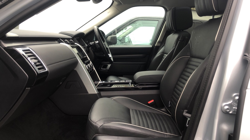 Land Rover Discovery 3.0 SDV6 HSE Luxury 5dr image 3