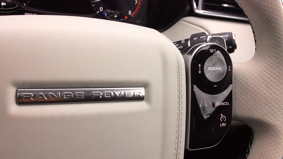 Land Rover Range Rover Velar 3.0 P380 R-Dynamic HSE 5dr image 12
