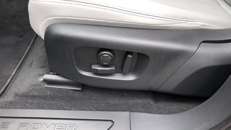 Land Rover Range Rover Evoque 2.0 D180 SE 5dr image 10