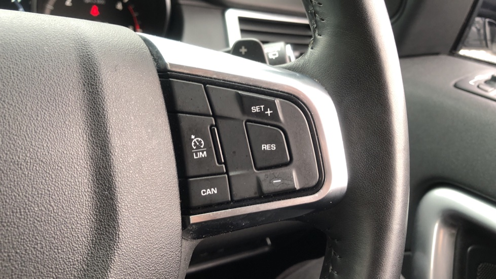 Land Rover Discovery Sport 2.0 TD4 180 SE Tech 5dr image 14