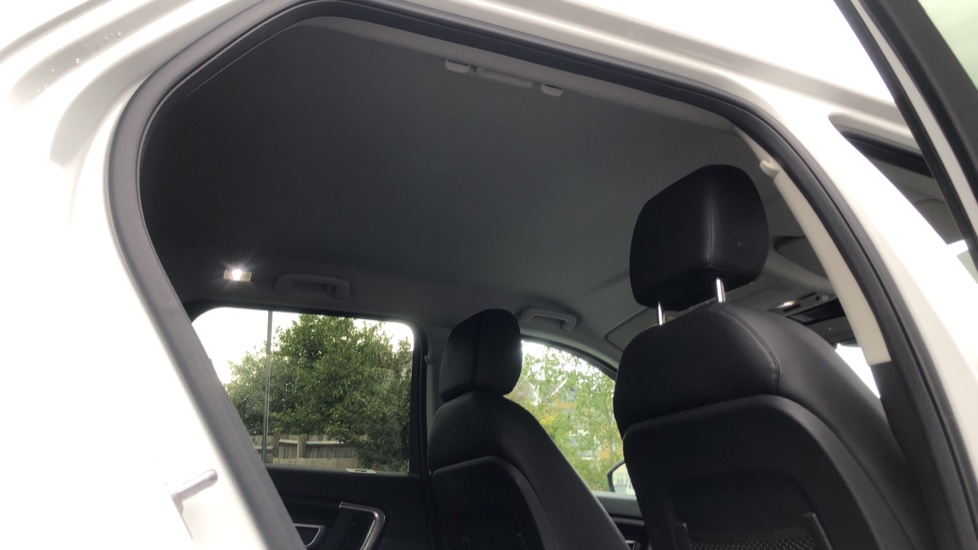 Land Rover Discovery Sport 2.0 TD4 180 SE Tech 5dr image 19