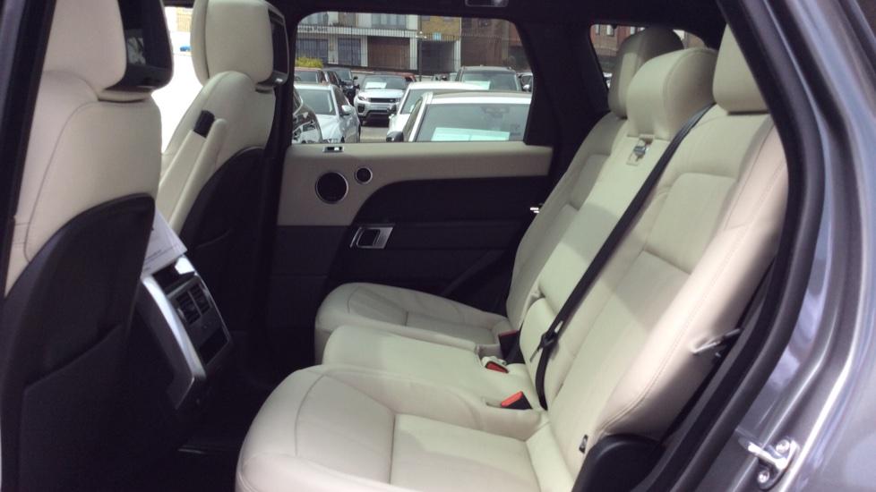 Land Rover Range Rover Sport 2.0 P400e HSE Dynamic 5dr image 4