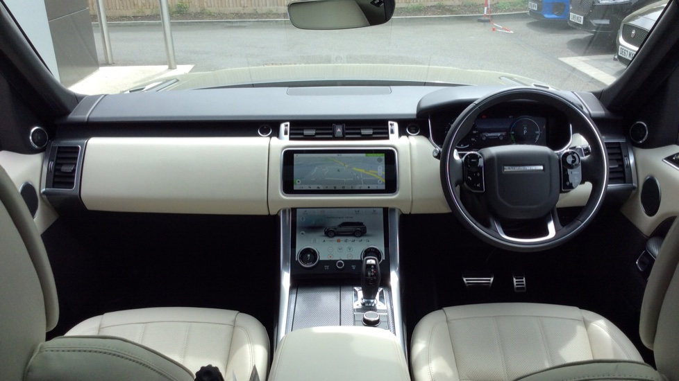 Land Rover Range Rover Sport 2.0 P400e HSE Dynamic 5dr image 9