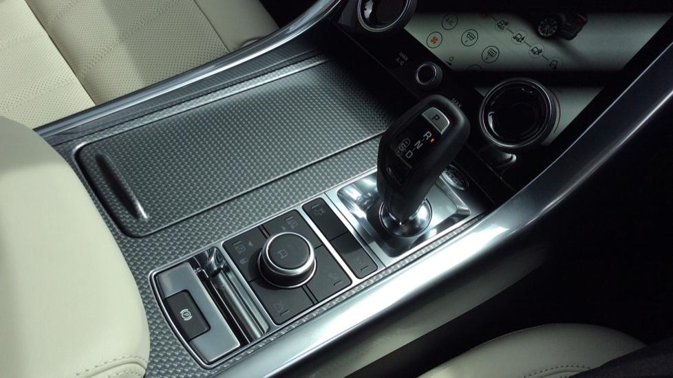 Land Rover Range Rover Sport 2.0 P400e HSE Dynamic 5dr image 17