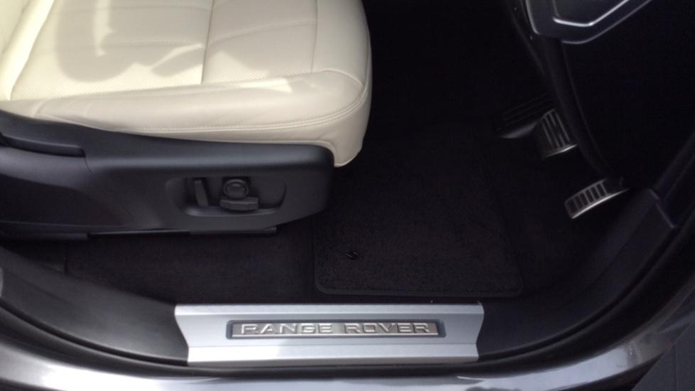 Land Rover Range Rover Sport 2.0 P400e HSE Dynamic 5dr image 21