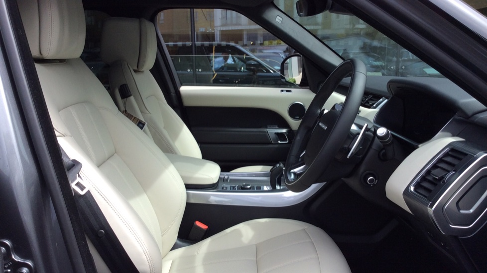 Land Rover Range Rover Sport 2.0 P400e HSE Dynamic 5dr image 22
