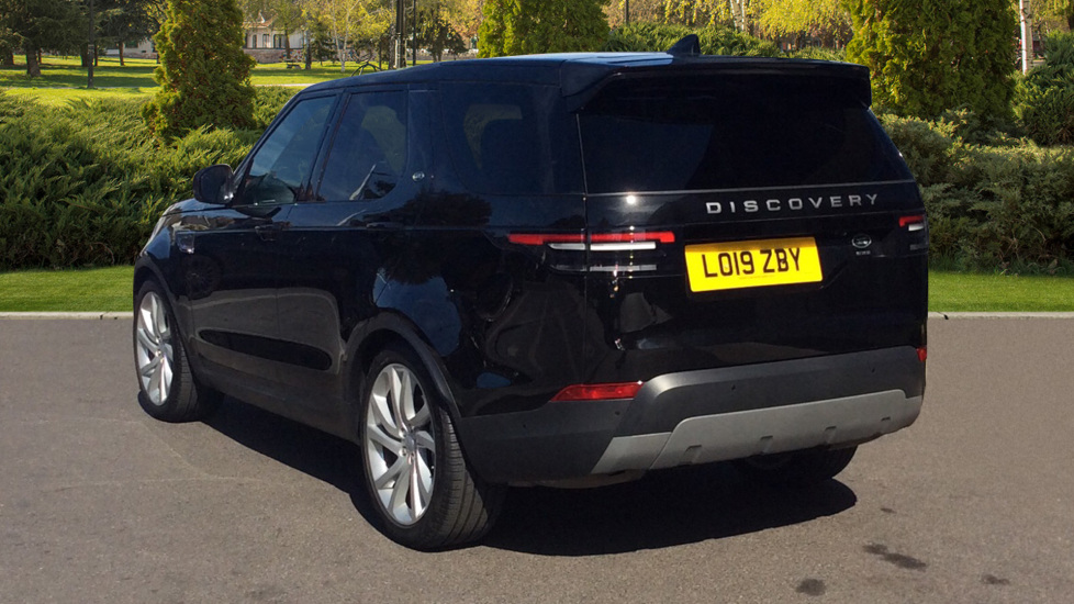 Land Rover Discovery 3.0 SDV6 Anniversary Edition 5dr - 7Seater - Sunroof - Privacy Glass - 22 Alloys -  image 2