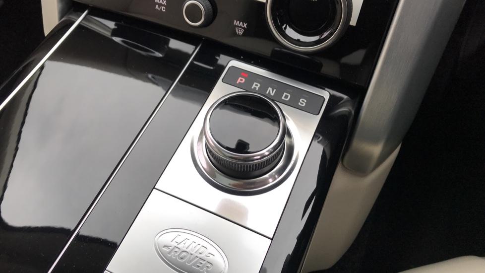 Land Rover Range Rover 3.0 D300 Westminster 4dr image 17