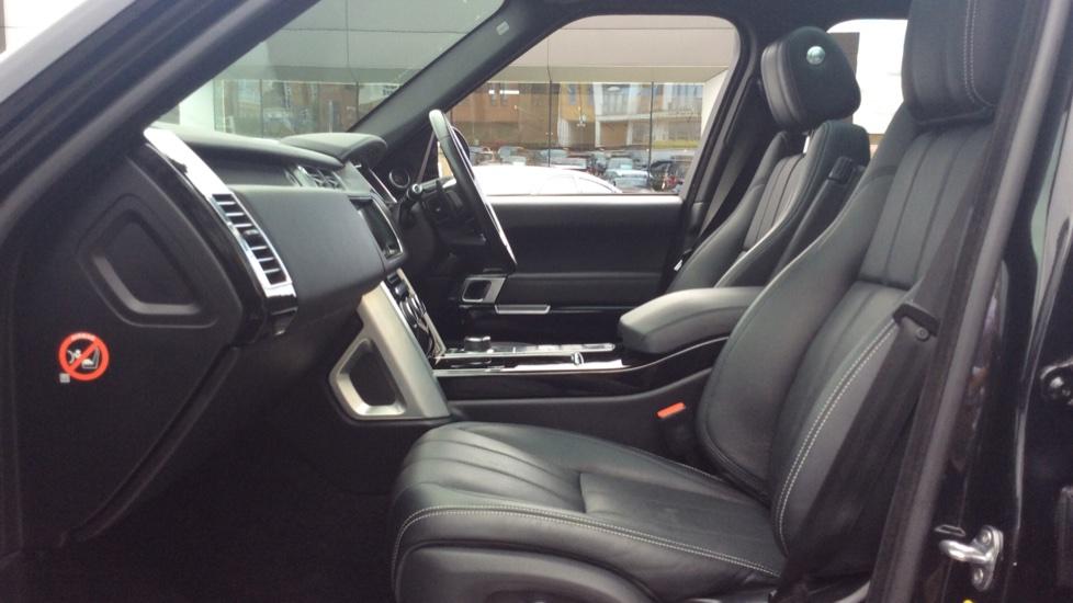 Land Rover Range Rover 3.0 TDV6 Vogue SE 4dr image 3