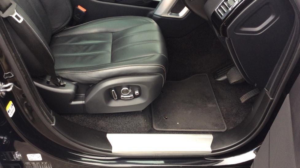 Land Rover Range Rover 3.0 TDV6 Vogue SE 4dr image 17