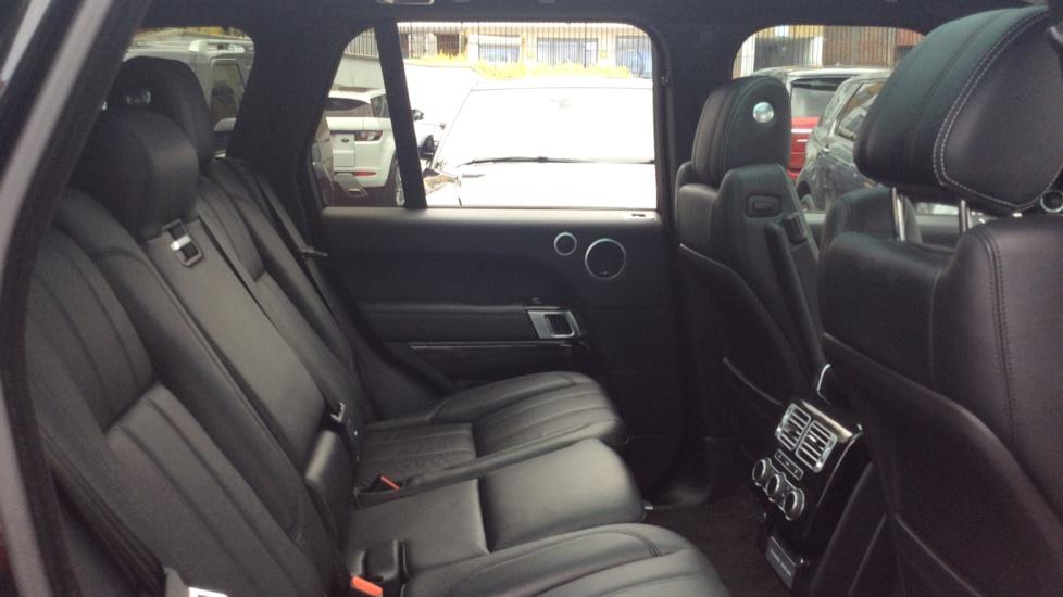 Land Rover Range Rover 3.0 TDV6 Vogue SE 4dr image 22