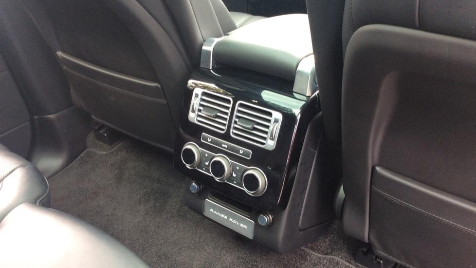 Land Rover Range Rover 3.0 TDV6 Vogue SE 4dr image 24