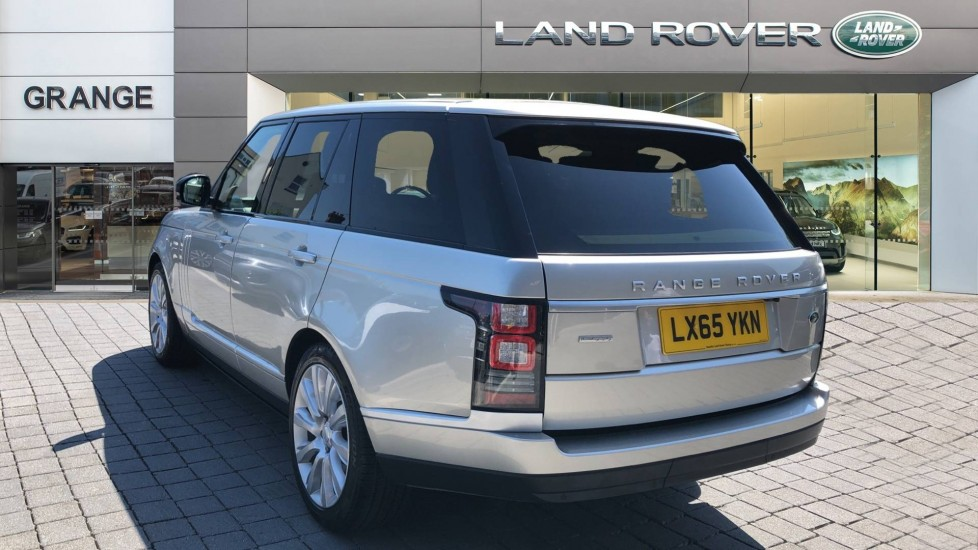 Land Rover Range Rover 4.4 SDV8 Autobiography 4dr image 2