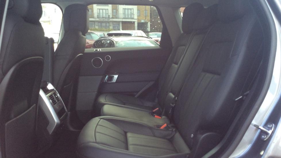 Land Rover Range Rover Sport 3.0 SDV6 HSE 5dr Auto - Privacy Glass - Rear Camera -  image 4