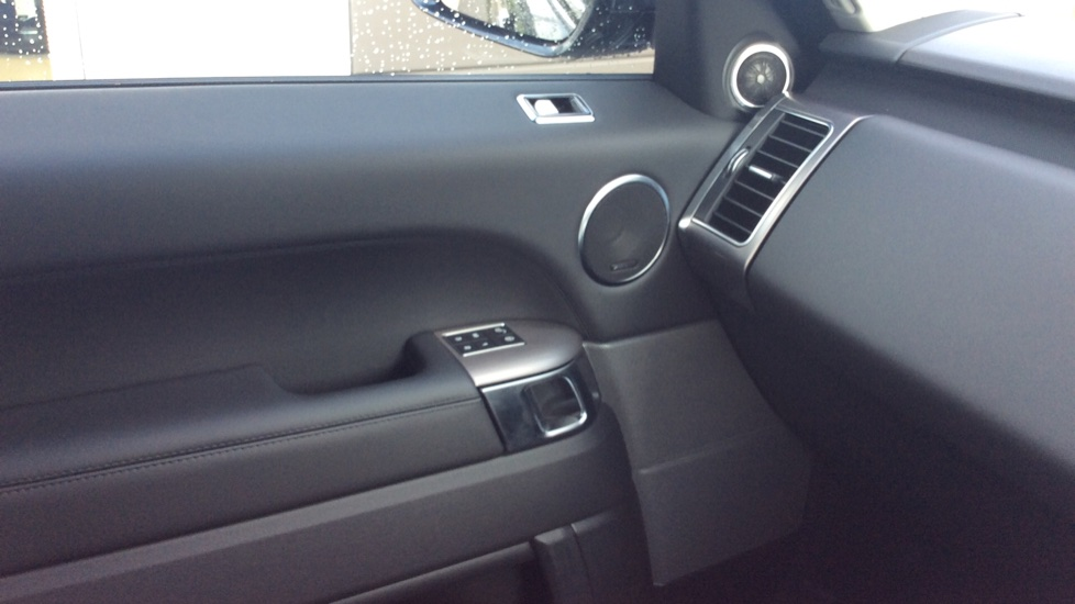 Land Rover Range Rover Sport 3.0 SDV6 HSE 5dr Auto - Privacy Glass - Rear Camera -  image 16