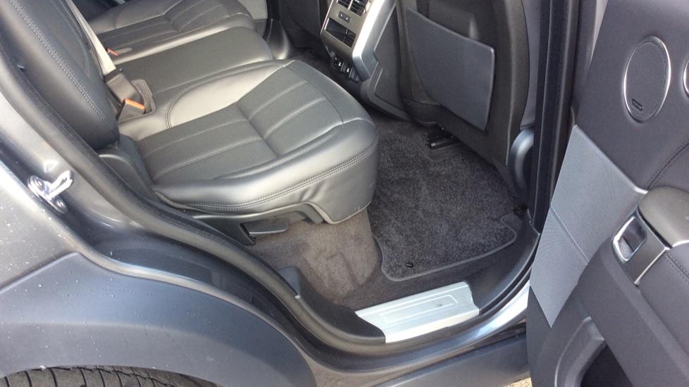 Land Rover Range Rover Sport 3.0 SDV6 HSE 5dr Auto - Privacy Glass - Rear Camera -  image 22